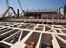 Новая платформа для азербайджанского месторождения Азери-Чираг-Гюнешли, Баку, Азербайджан, 12 июля 2011 г.