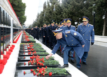 Azerbaijanis honor January 20 tragedy victims