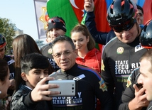 Baku holds cycling race devoted to State Flag Day
