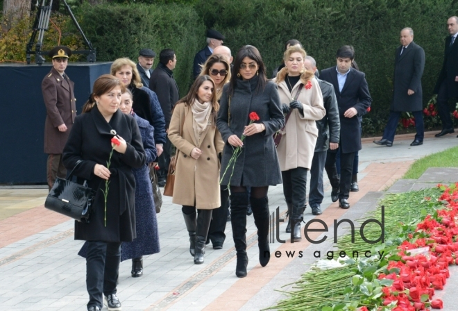 Azerbaijani public visits Alley of Honor to commemorate 14th anniversary of death of Heydar Aliyev. Azerbaijan, Baku, december 12, 2017