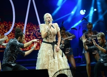 71-years-old Turkish superstar Ajda Pekkan gave concert in Baku